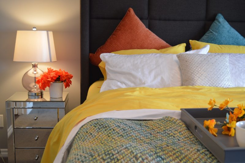 5 Decorative Tricks to Keep Your Room Warm